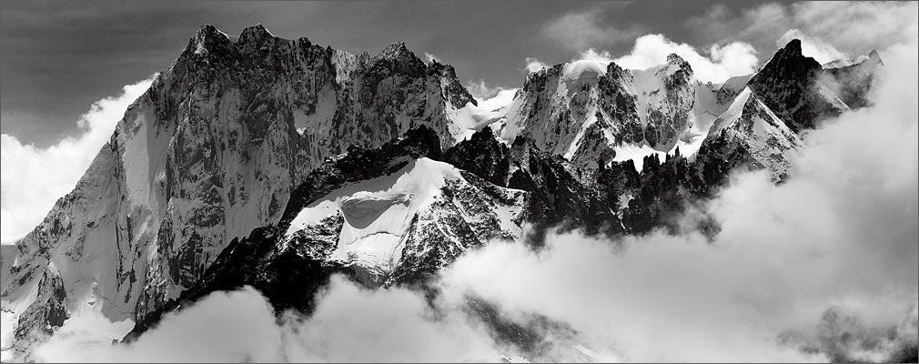 The peaks of Gran Jorasse in the Mont Blanc massiv in the french Alps